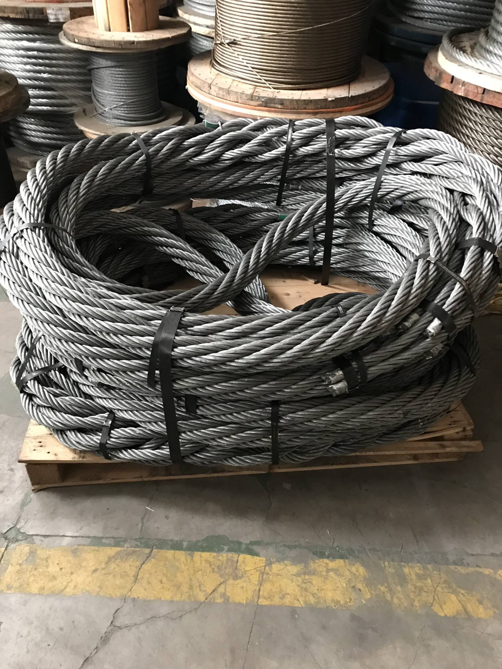 Heavy lift slings and grommet